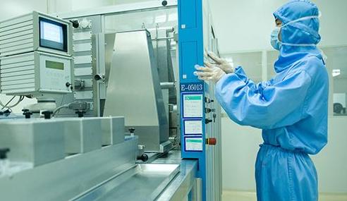 我国中西部最大核酸检测实验室揭牌